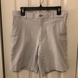 Southern Tide 7in inseam shorts